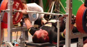 Rok 2009. Mistrz EUROPY I ŚWIATA w Wyciskaniu Sztangi Leżąc i Trójboju Siłowym, Jan Wegiera podczas wyciskania 255 kg.